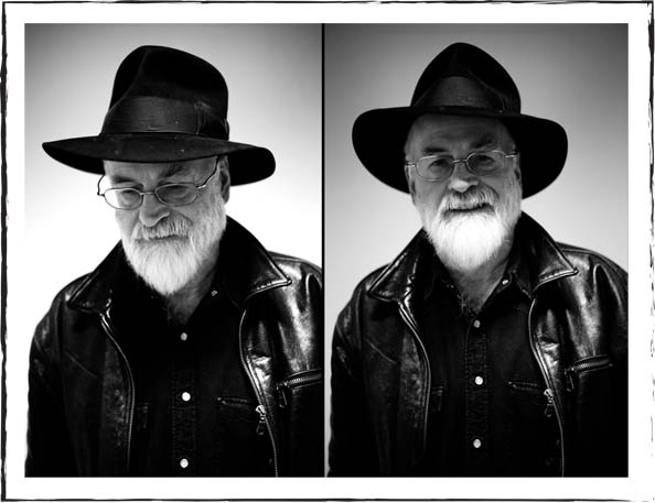 sir-terry-pratchett-hat-photograph-black