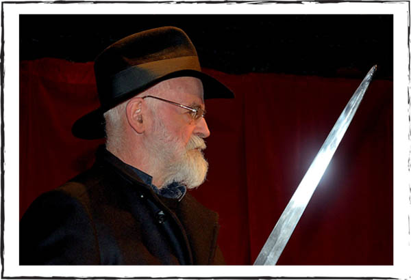 sir-terry-pratchett-sword-photograph-kni