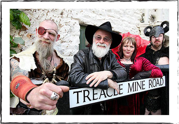 terry-pratchett-treacle-mine-road-street