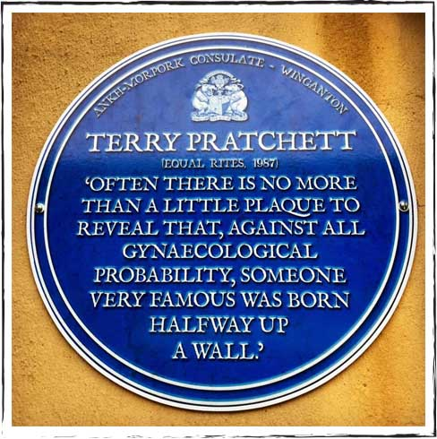 discworld-emporium-terry-pratchett-shop-